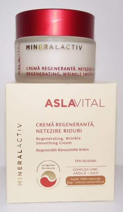 REGENERATING, WRINKLE SMOOTHING CREAM